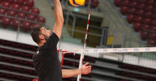 Капитанът на мъжкия национален отбор Цветан Соколов е с разкъсан