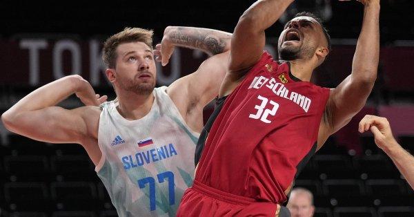 Мъжкият национален отбор на Словения по баскетбол достигна до фазата