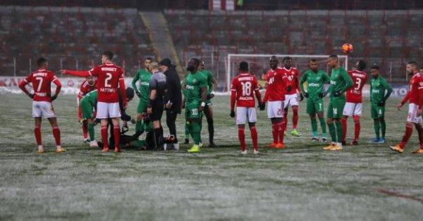 Лудогорец - Монтана, среща от Първа лига на България, начало