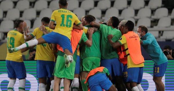 С гол на Каземиро в стотната минута Бразилия сътвори пълен