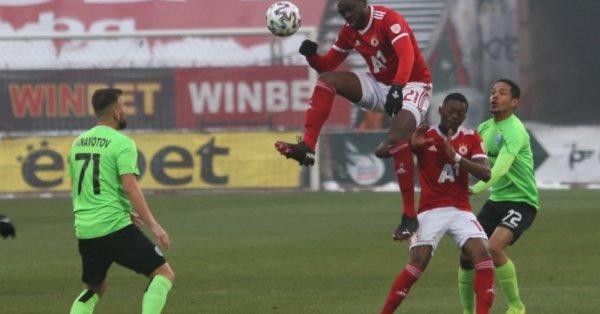 Един от най-важните футболисти наЦСКА Амос Юга може да продължи