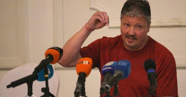 Бившият треньор на ЦСКА Любослав Пенев се съгласил да поеме