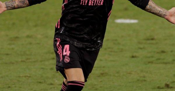 След 16 сезона, 671 мача, 101 гола и четири Шампионски