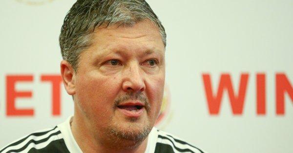 Треньорът на ЦСКА Любослав Пенев беше лаконичен на пресконференцията относно