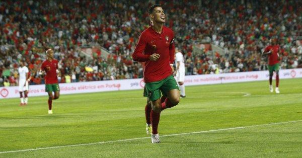 Звездата на португалския национален отбор Кристиано Роналдо изрази емоциите си,