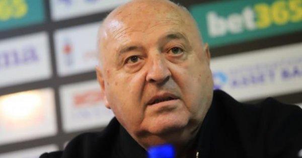 """Славия ще кръсти стадиона си """"Александър Шаламанов"""". Това обяви президентът"""