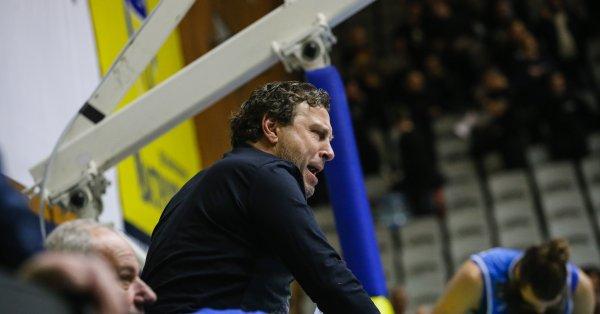 Бившият треньор на Левски Вили Вуцов коментира последните събития в