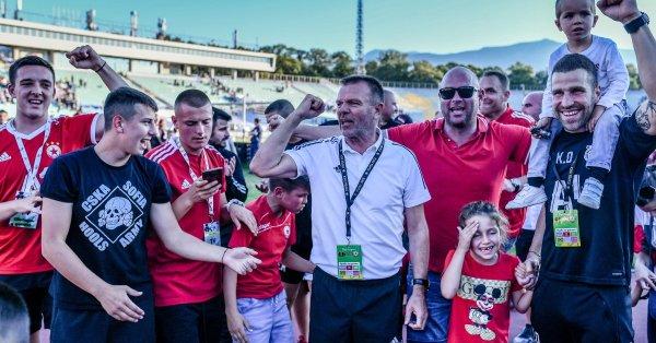 Стойчо Младенов постигна осмата си поредна победа над Левски като
