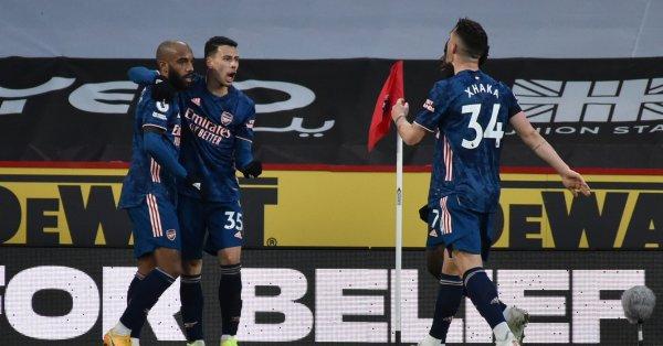 Арсенал се върна на победния път с успех над последния