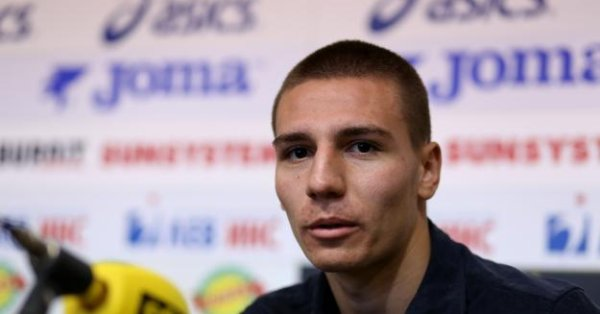 Очакванията са този път обаче Антов да започне мача от