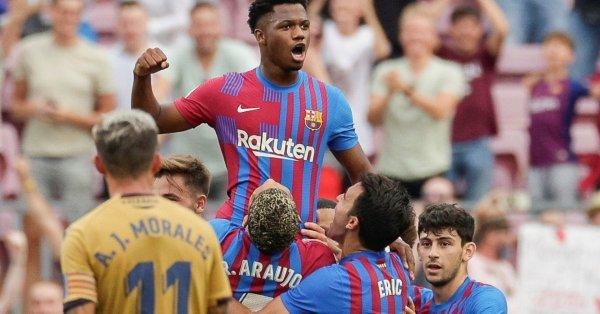 Барселона най-после зарадва феновете си този сезон, след като разби