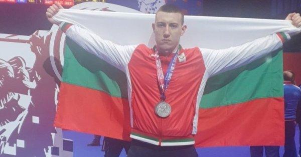 19-годишният Христо Христов извоюва нови два сребърни медала, с което