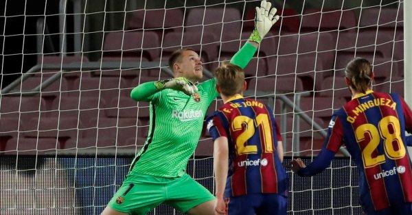 Вратарят на Барселона Марк-Андре тер Стеген още не може да