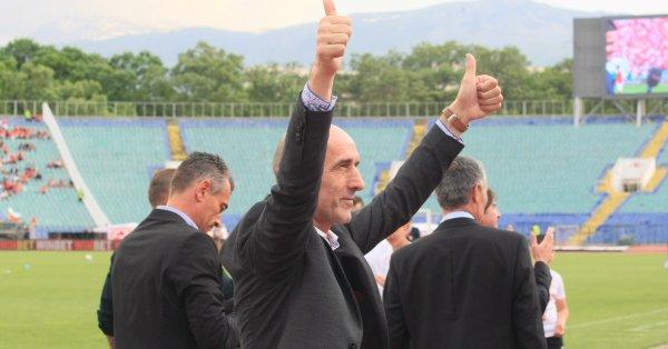 Бившият треньор на ЦСКА - Миодраг Йешич говори пред колегите