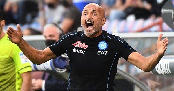 Треньорът на Наполи Лучано Спалети остана без автомобил, след като