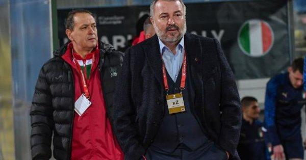 Сериозни проблеми налегнаха селекционера на България Ясен Петров преди трите