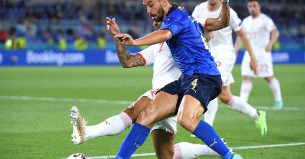 Защитникът наРомаи Италия - Леонардо Спинацола, може да продължи кариера