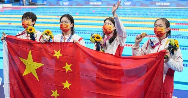 Китай спечели щафетата на 4 по 200 метра свободен стил